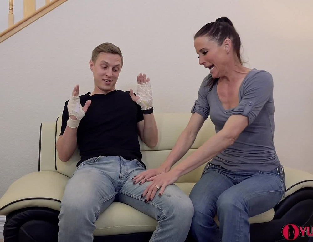 SofieMarieXXX/Mom Lends Son Helping Hand 1